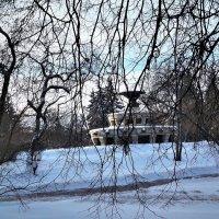 фонтан и снег :: татьяна Блинова