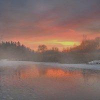Сгущался морозный закат :: Лара Симонова