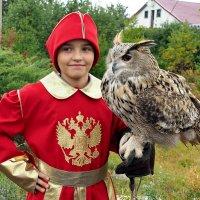 Мальчик  с Филином. :: Тамара Бучарская