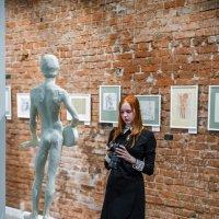 На выставке.. :: Владимир Батурин