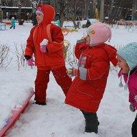 игра в снежки :: nataly-teplyakov