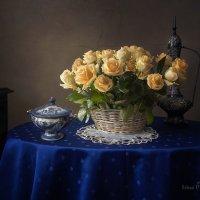 Натюрморт с желтыми розами :: Ирина Приходько