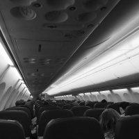 Весь мир на мобильный. В самолете. :: Владимир Филимонов