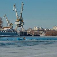 по зимней реке :: Владимир Зырянов