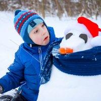 лепили снеговика ,а снеговик похож на мышку ,вот было удивление :: Irina Novikova