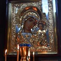 В Соборе Владимирской иконы Божией матери :: Евгений Васин