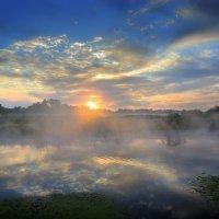 Брутальный рассвет августа.... :: Андрей Войцехов