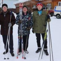 Ветераны лыжных гонок... :: Александр Широнин