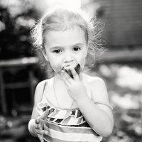 Кто-то любит сажать картошку, кто-то печь, а я люблю её есть... :: Лилия .