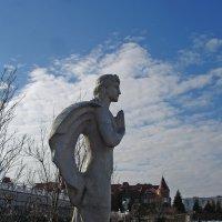 Прекрасный древний Аполлон на Оболонь с молитвою взирает... :: Тамара Бедай