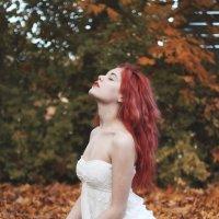 Девушка Осень! :: Светлана Пивоварова