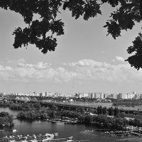 О городе и реке. :: Андрий Майковский