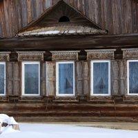 В старом доме живёт тишина... :: Нэля Лысенко