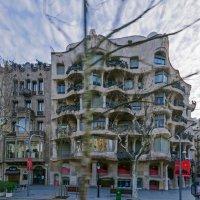 Гауди, дом волна, Барселона :: Виталий Авакян