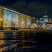 Вид с Дворцовой площади :: Юрий Велицкий