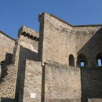 Трехэтажные привратные башни. Генуэзская крепость :: ИРЭН@ .