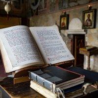 В церкви, Черногория :: ElenaV Gebert