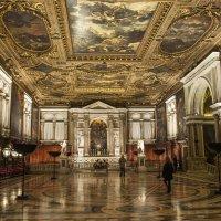 Венеция. В церкви Сан-Рокко :: Олег Oleg