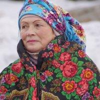 Женщина на гуляниях Масленицы :: Наталия Григорьева