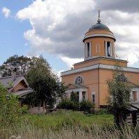 Церковь Воздвижения Креста Господня в селе Воздвиженском :: Ольга Довженко