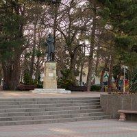 Геленджик. Памятник М.Ю. Лермонтову :: Pavel Bamboleo