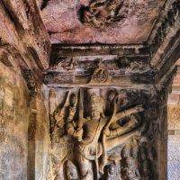 скульптура-танцор в храме-пещере    6-ой век :: Георгий А