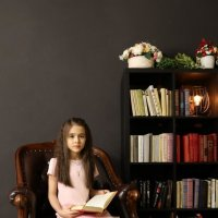 Девочка с книгой :: Трушкина Наталья