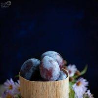 Цветы и сливы :: Наталья Филипсен