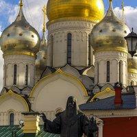 У монастыря :: Александр