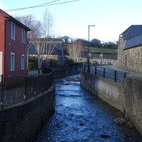 Река в черте города :: Natalia Harries