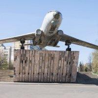 самолет Ту-104А ( Рыбинск ) :: Сергей Поникаров