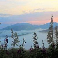 Рассветает в горах :: Сергей Чиняев