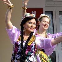 Танцовщицы :: Вик Токарев