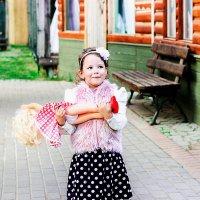 Девочка с куклой :: Таня Зайко