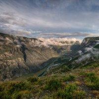 На перевале прошел дождь :: Юрий Никитенко