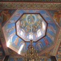 Плафон и люстра в храме Святого Апостола Андрея Первозванного, г. Минск :: Tamara *