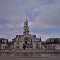 Городская церковь. :: Венера Чуйкова