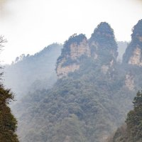 Величие гор (контраст величин) :: Павел Заславский