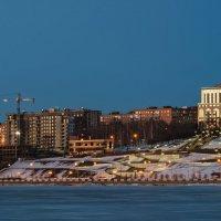 Ижевск, апрель, набережная пруда :: Владимир Максимов