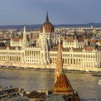 венгерский парламент днём :: Георгий А