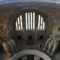 Памятник битве народов.  фрагмент Зала Славы :: Galina Leskova