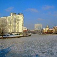 Зимняя река :: Сергей Карачин