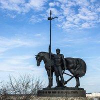 Памятник первопоселенцу :: Павел C