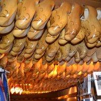 Деревянные кломпы.ферма Рембранд Нидерландфы :: Nara Nakhshkarian