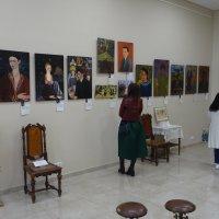 На выставке мексиканской художницы Фриды Кало в Ростове-на-Дону :: татьяна