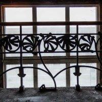 окно лестницы :: Сергей Лындин