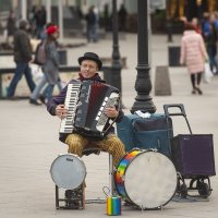 Уличный музыкант. :: Николай Галкин