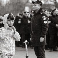Девочка с самокатом :: Майя Жинка