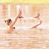Полусидя-полулежа мы купались в Мертвом море)) :: Raduzka (Надежда Веркина)