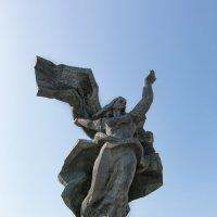 Монумент. :: Геннадий Порохов
